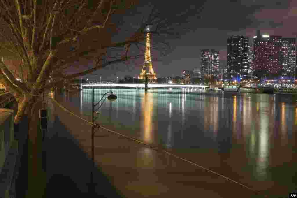 بالا آمدن سطح آب رود سن پاریس فرانسه
