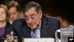 即將離任的美國國防部長帕內塔星期四在參院軍事委員參加聽證會