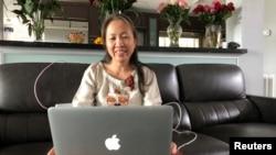 Blogger bất đồng chính kiến Nguyễn Ngọc Như Quỳnh, với bút danh Mẹ Nấm, nói rằng bà không muốn rời Việt Nam và buồn khi phải đi sống lưu vong.