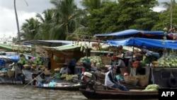 Ảnh minh họa: Chợ nổi trên sông ở tỉnh Kiên Giang