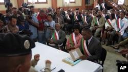 Des membres du parlement malgache, Antananarivo, 20 mai 2015.
