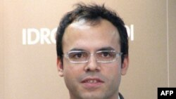 İran rəsmiləri bloggerə uzun müddətli həbs cəzası verib
