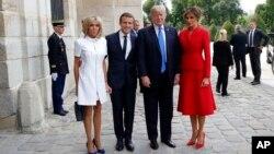 Президенты Франции Эммануэль Макрон и США Дональд Трамп с супругами. Париж, Франция. 13 июля 2017 г7