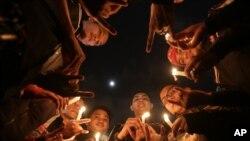 Pelaksanaan Earth Hour di Jakarta (28/5).