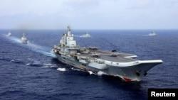 2018年4月18日,中國航母遼寧號參加中國海軍在西太平洋的軍事演習。