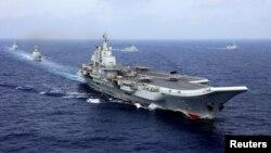 2018年4月18日中国航母辽宁号参加中国海军在西太平洋的军事演习
