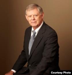 德州律师詹姆斯·乔治 (乔治提供)