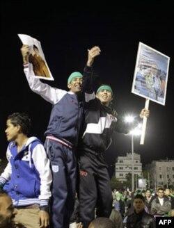 Qaddafiy ketmas ekan, NATO hujumi davom etadi