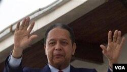 """Ansyen Diktatè Jean-Claude """"Baby Doc"""" Duvalier nan Pòtoprens, Ayiti, 21 janvye 2011. (AP Photo/Ramon Espinosa)"""