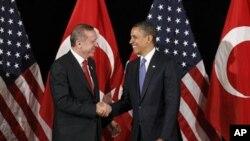 Tổng thống Obama và Thủ tướng Erdogan đồng ý là Syria phải bắt đầu một cuộc chuyển tiếp sang một chính phủ hợp pháp