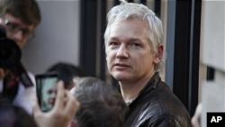 위키리크스의 창립자 줄리안 어산지