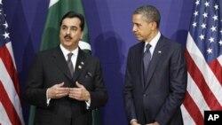 길라니 파키스탄 총리(왼쪽)와 양자 회담을 가진 바락 오바마 미 대통령.