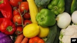 Un estudio de la Universidad de Harvard reveló que residuos de pesticidas en frutas y verduras reducen niveles de semen.