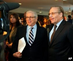 "Washington Post reporters Carl Berstein and Bob Woodward at 2009 memorial for ""Deep Throat."""
