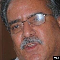 Pemimpin partai Maois, Pushpa Kamal Dahal, dikenal dengan julukan Prachanda, saat diwawancarai VOA di bulan Mei.