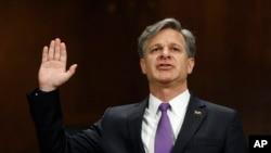 被川普总统提名为联邦调查局局长的克里斯托弗·雷在参议院司法委员会有宣誓作证。(2017年7月12日)