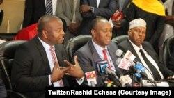 Les autorités de la Fédération internationale d'athlétisme (IAAF) au Kenya, le 27 juillet 2018. (Twitter/Rashid Echesa)