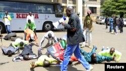 Des athlètes kényans manifestent à Nairobi le 23 novembre 2015. (REUTERS/Noor Khamis)