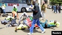 Manifestation d'athlètes kenyans à Nairobi le 23 novembre 2015 suite à des allégations de corruption et de dopage. (REUTERS / Noor Khamis)
