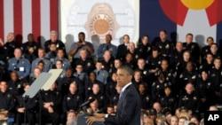 3일 콜로라도 덴버에서 새로운 총기 규제와 관련해 연설 중인 바락 오바마 미국 대통령.