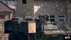 KFOR-i kërkon zhbllokimin e rrugëve në veriun e Kosovës
