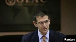 آدام زوبین قائم مقام وزیر خزانه داری آمریکا در امور تروریسم و اطلاعات مالی - آرشیو