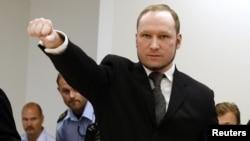 Anders Behring Breivik comme à la salle d'audience à Oslo Courthouse le 24 Août 2012. ( REUTERS/Heiko Junge/NTB Scanpix/Pool )
