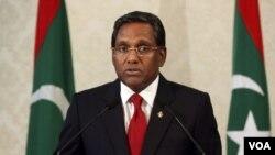 Presiden baru Maladewa, Mohammed Waheed Hassan setuju selenggarakan pemilu dini.
