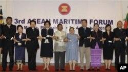 3일 필리핀 마닐라에서 동남아시아국가연합 연례 해양회의에 참석한 각 국 대표들.
