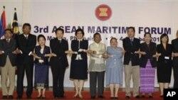 Wakil Presiden Filipina Jejomar Binay membuka konferensi maritim tahunan ASEAN di Manila hari Rabu (3/10).