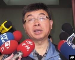 国民党立委邱毅是媒体追逐的对象