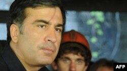 Qızılgül İnqilabının lideri Mixeil Saakaşvili inqilabla demokratik idarəçilik arasındakı fərqlərdən danışıb