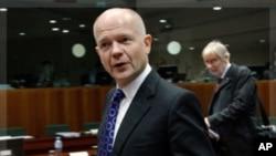 英国外交大臣威廉·黑格12月1号抵达布鲁塞尔参加欧盟会议