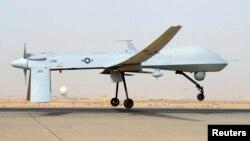 Un MQ-1B Predator del 46to. escuadrón expedicionario de reconocimiento es visto en la base aérea Balad, en Irak