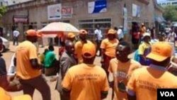 IN GOOD TIMES: MDC Renewal Team members seen conducting some street campaign in Harare.