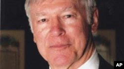 """Tiến sĩ Lewis Sorley, tốt nghiệp trường Võ Bị West Point của Hoa Kỳ, là một cựu chiến binh Mỹ và là tác giả cuốn """"A Better War"""""""