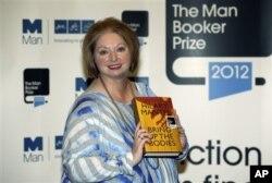 هیلاری منتل، برنده جایزه من بوکر