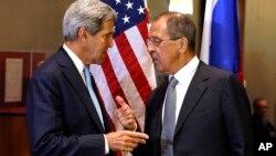 존 케리 미국 국무장관과 세르게이 라브로프 러시아 외무장관이 24일 유엔 총회가 열린 뉴욕에서 시리아 사태에 관해 논의했다.