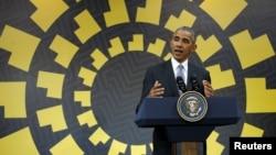 바락 오바마 미국 대통령이 20일 페루 리마에서 열린 아시아태평양경제협력체(APEC) 정상회의 폐막 기자회견을 하고 있다.