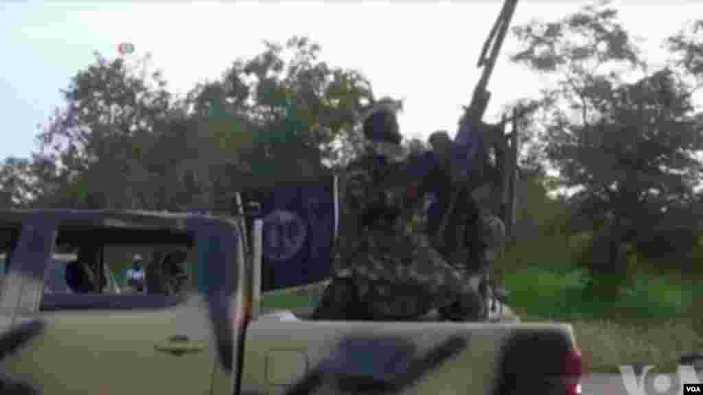 Mayakan Boko Haram sun kai hare-hare a kasar Kamaru.