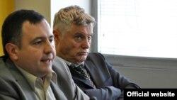 Arhiva - Miroslav Lazanski (desno), narodni poslanik Srpske napredne stranke i vojno-politički komentator (Foto: Medijacentar Beograd)