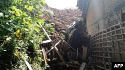 Hiện trường vụ lở đất ở Indonesia hôm 1/4.