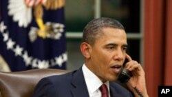 Presidente Barack Obama antes do anúncio da morte de Bin Laden telefonou ao seu homólogo paquistanês assim como os antigos presidentes dos Estados Unidos