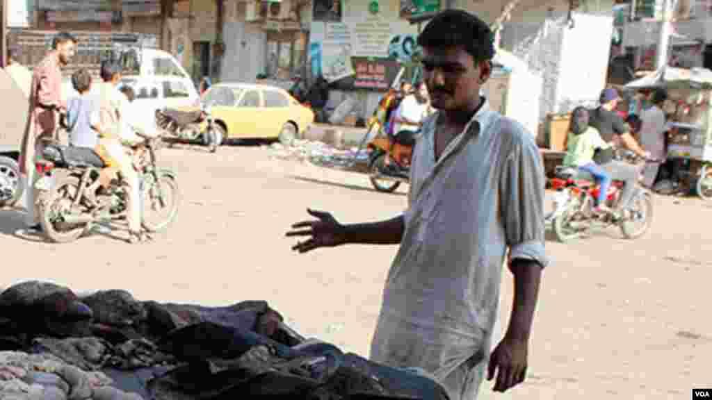 آلائشوں سے نکلی ہوئی چربی بیچنے والے اس چربی کو لےکر آنےوالوں سے 50 روپے فی کلو کے حساب سے خریدتے ہیں اور آگے فروخت کردیتے ہیں