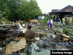 Dampak banjir akibat siklon tropis cempaka di Gunungkidul, Yogyakarta. (Foto: VOA/Nurhadi)