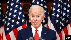 Capres dari Partai Demokrat AS, mantan Wapres AS Joe Biden, menyampaikan pernyataan di Philadelphia, Selasa, 2 Juni 2020.