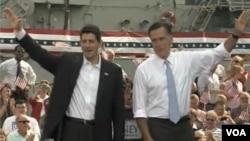 羅姆尼(右)與瑞安對群眾揮手