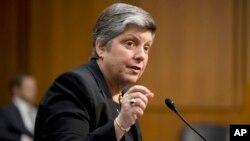 Janet Napolitano también dijo que prefería no destinar fondos para seguir construyendo una cerca en la frontera con México.