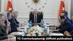 Uluslararası Basın Enstitüsü (IPI) ve Gazetecileri Koruma Komitesi (CPJ) heyetini kabul eden Cumhurbaşkanı Erdoğan