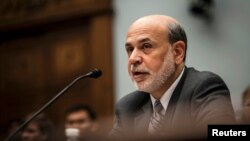 Chủ tịch Fed Ben Bernanke trình bày phúc trình tài chính trước Ủy ban Tài chính Hạ viện, 17/7/13